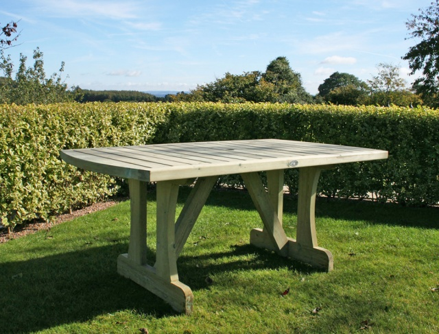 Hutton Cotswold garden table. cotswold dining table jpg
