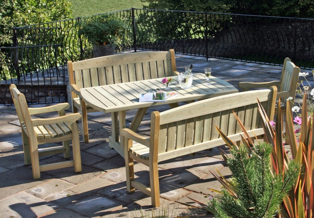 Cotswold garden dining table. cotswold set jpg