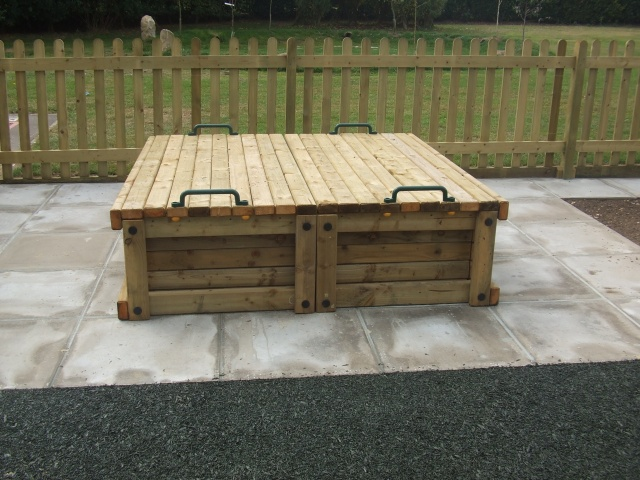 sandpits sand trays water play for schools. Black Bedroom Furniture Sets. Home Design Ideas